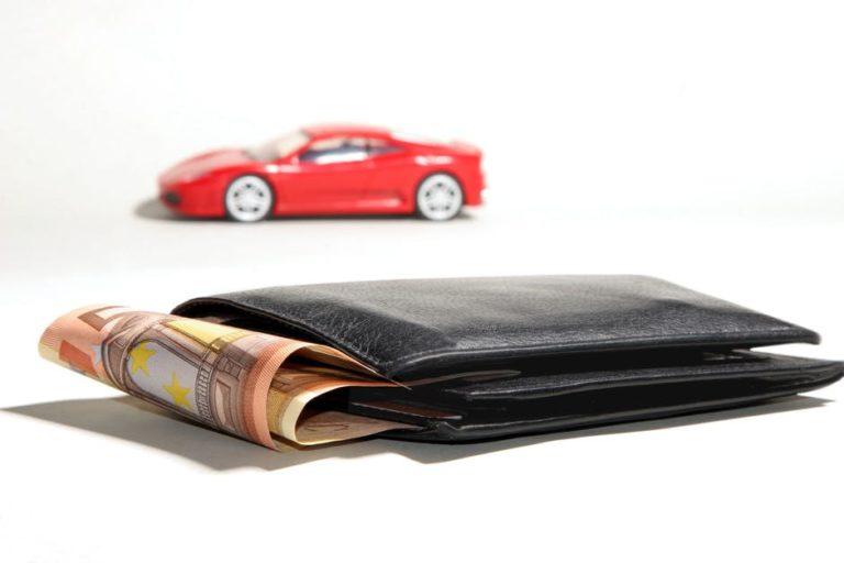 Pożyczka pod zastaw auta. Czy warto?